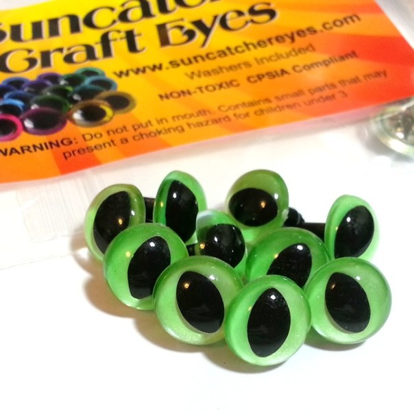 Shimmer grass green cat eyes heading to Pennsylvania.